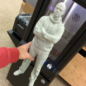 A 3D-scan of Daniel Norée 3D-printed at the full height of the MakerBot Z18 #3dprinter (457 mm)